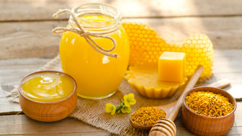 What is Bee Propolis What Are The Benefits Of Bee Propolis