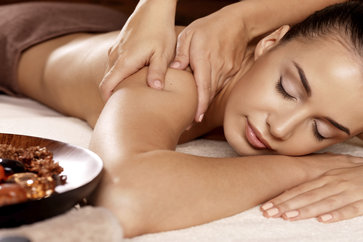 8 Surprising Benefits of Kerala Ayurvedic Massage Oil