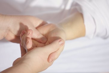 How to Treat Scleroderma Symptoms Naturally